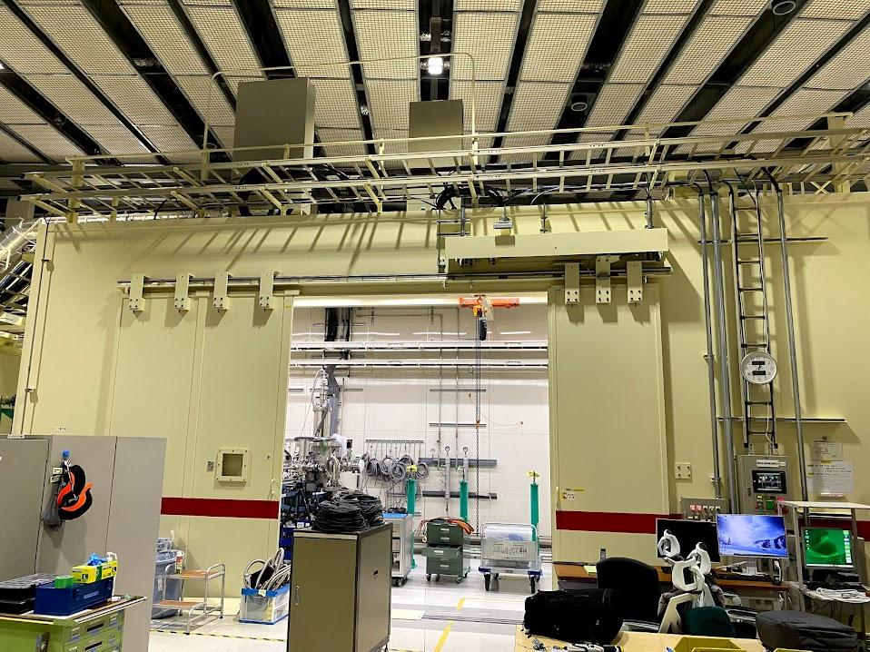 リング棟検出器開発用ケーブル配線工事写真2